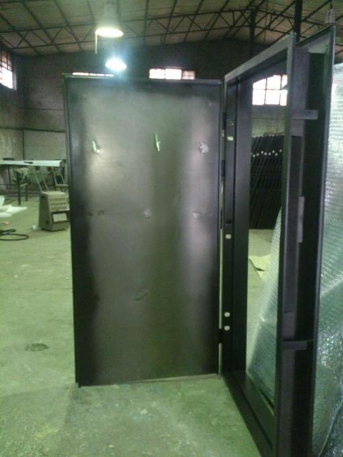 درب ضد سرقت اولیه در کارخانه